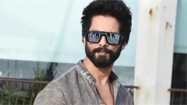 shahid kapoor confirms hindi remake of telugu blockbuster arjun reddy
