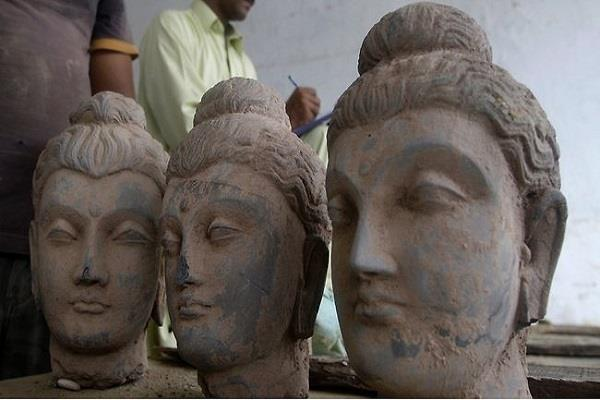 police seized ancient idols of buddha in pakistan