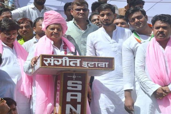 shivpal said in etawah may be mulayam can be murdered
