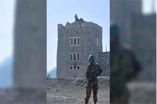 suicide bomber kills 7 people in kabul