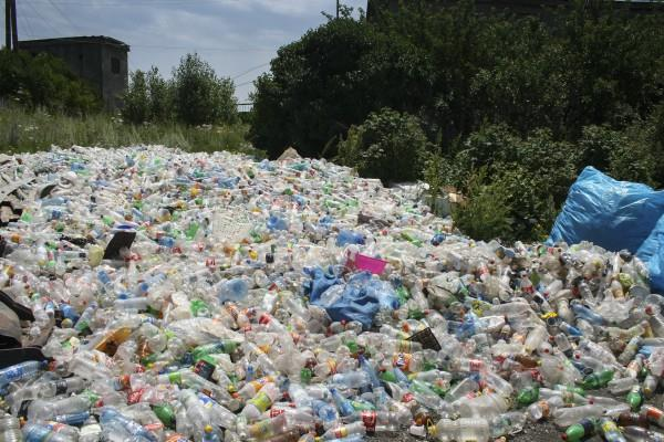 coke pepsi and nestle at the forefront of spreading plastic waste
