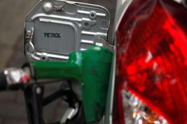 petrol and diesel prices decreased for the 11th consecutive day