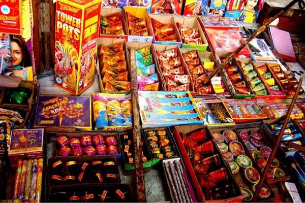 good news prices of firecrackers falling before diwali