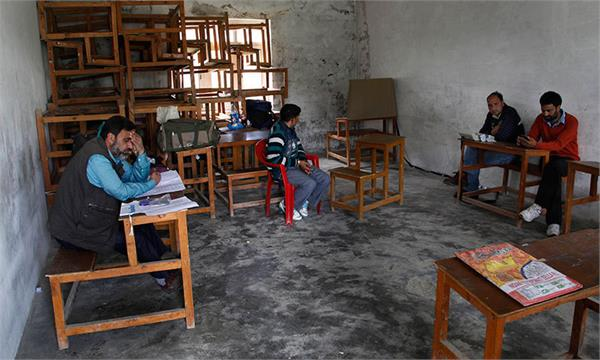 no voting in 17 polling stations of srinagar