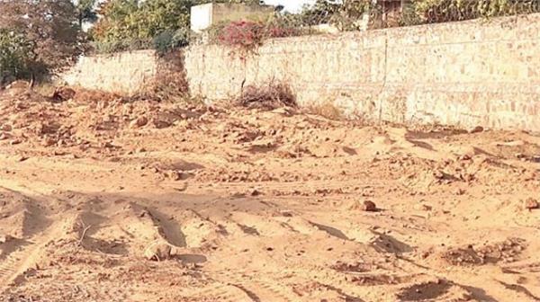 village broke the path of panchayat land in rajada situation was stressful
