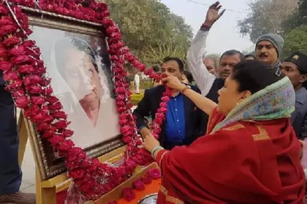 bjp celebrates 60 year old rajmata s birth anniversary