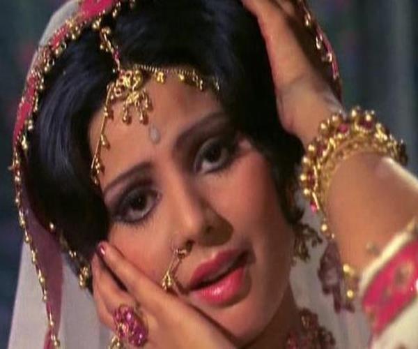 bollywood actress sukkshana pandit s nephew commits suicide