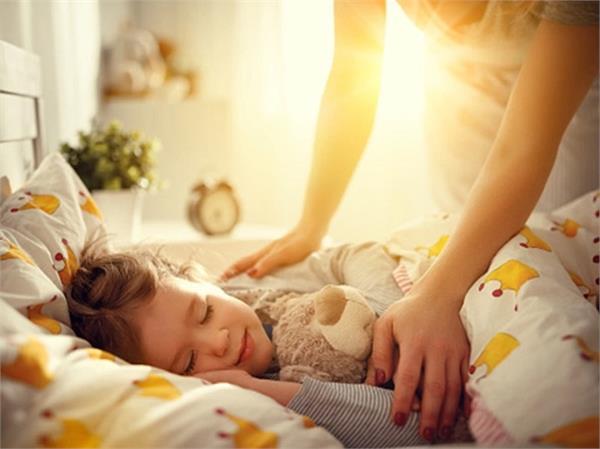 स्कूल जाने वाले बच्चों को क्यों चाहिए अधिक नींद?