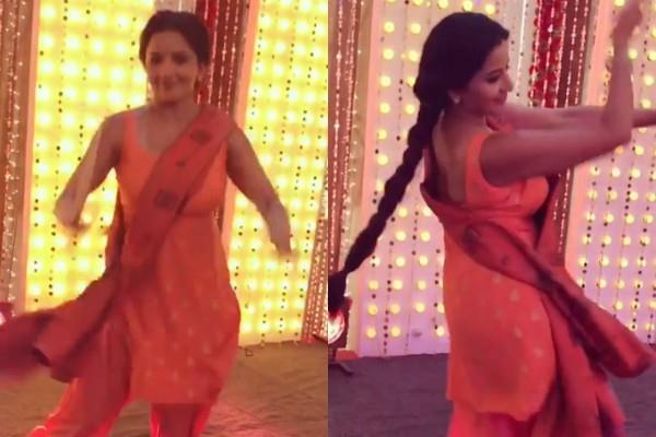 monalisa dandiya dance in navaratri video viral
