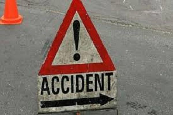 4 injured in road accidents