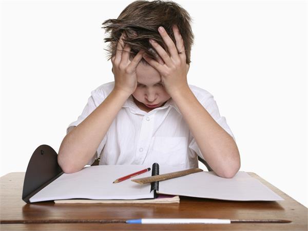 बच्चे का पढ़ाई में नहीं लगता मन तो अपनाएं ये टिप्स