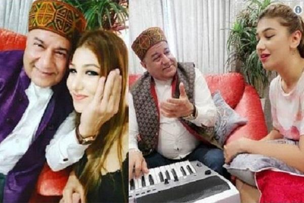 anup jalota and jasleen matharu breakup reaction on social media