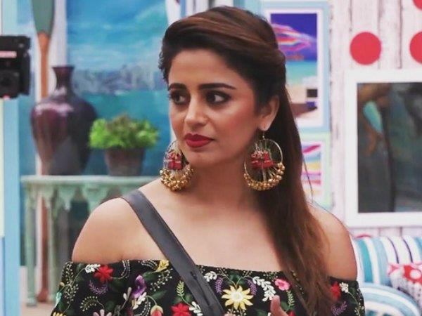 after neha pendses elimination fans saying she played game with full of dignity