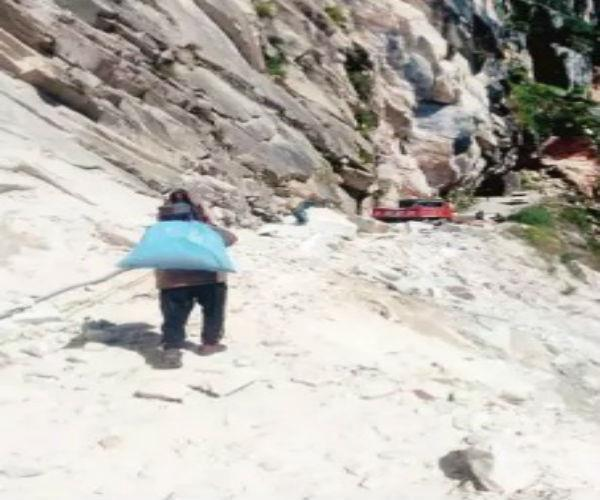 malana resident who are risking their lives to reach kullu