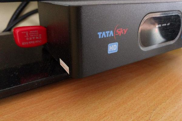 tata sky closes 27 channels anger of people on social media