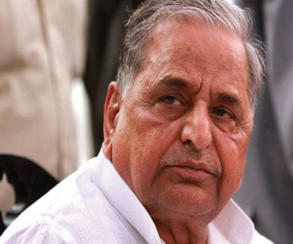 mulayam spent 79 of the housing projects of former cm on their own bungalow