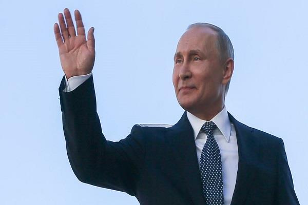 trust in putin drops to 39 pc poll