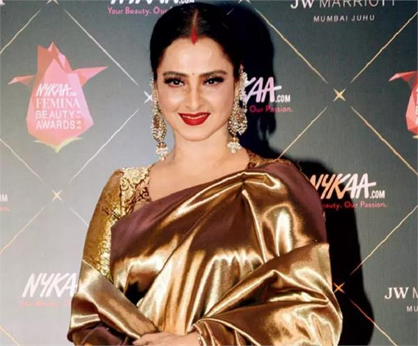 fitness and health secret of evergreen actress rekha