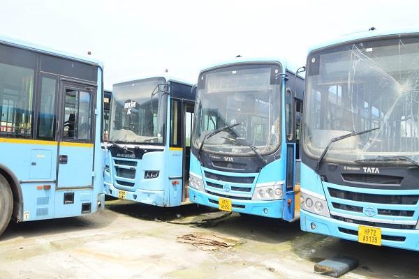 21 low floor buses of corporation rusting in the workshop
