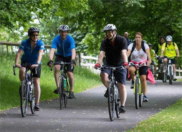साइकिलिंग करने से कम होता है कैंसर और दिल के रोगों का खतरा