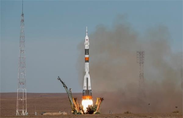 rocket carrying space station crew fails in mid air crew safe agencies