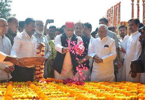 sardar patel s major contribution to unite the country akhilesh