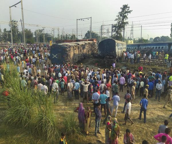 rail incident government compensates the families of dead rs 25 25 lakh