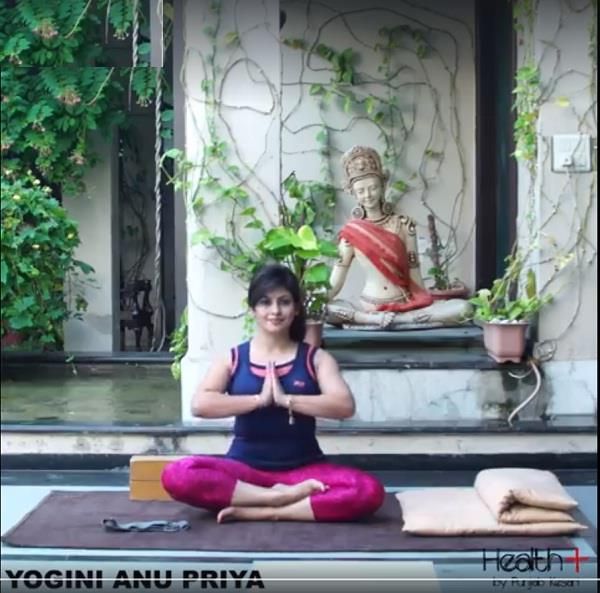 yoga to strengthen feet with props