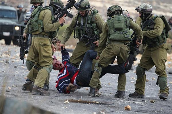 29 palestinians injured in clashes with israeli soldiers