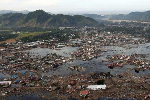 indonesia more than 1 000 people still missing 1 558 deaths figure