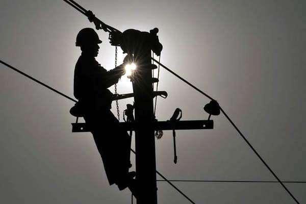 power board employees got gift before diwali