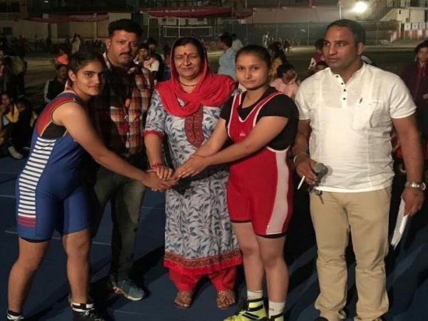 gold and wool of dhwal school of sundernagar live gold in wrestling