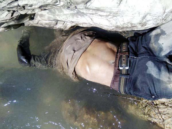 extends sensation from deadbody found on edge of river