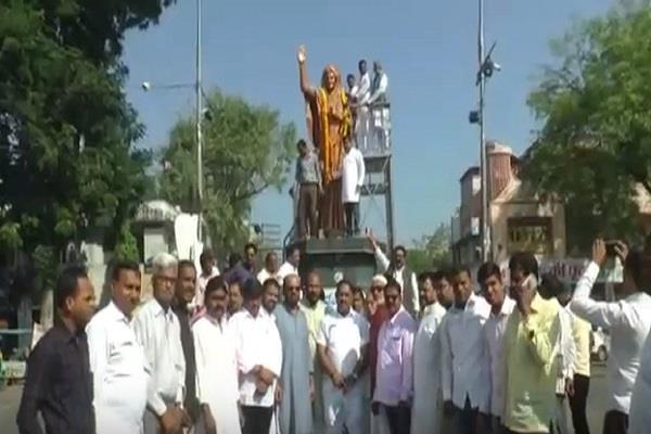 congress celebrates the death anniversary of indira gandhi