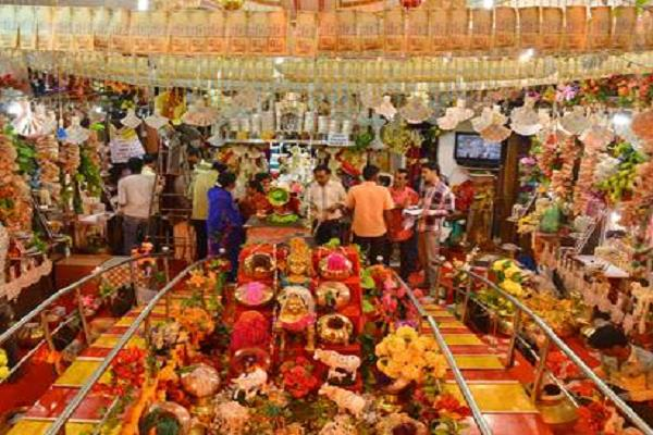 this temple of the state decorated with notes of 100 crores