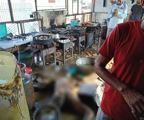 shahjahanpur  dangerous fire 5 people seriously scorched in shop
