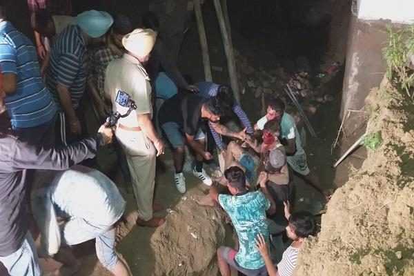 1 worker dies due to falling wall of hotel basement in hoshiarpur