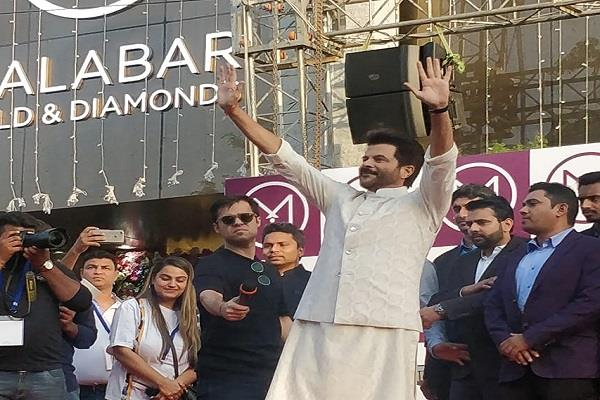 anil kapoor gets a glimpse of the big city