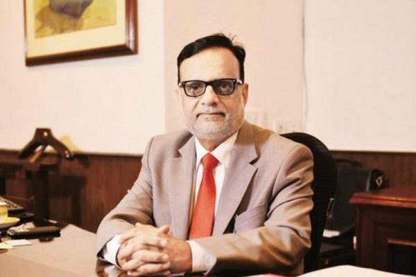 finance secretary hasmukh adhia will retire today