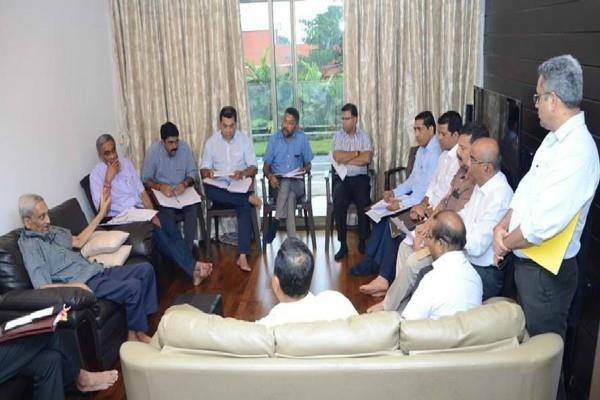 bjp is taking unfair advantage of parrikar s health congress