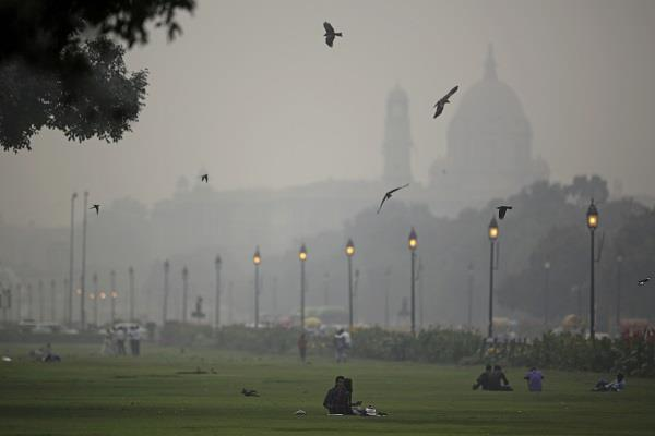 people taking smoke equivalent to 20 cigarettes daily in delhi