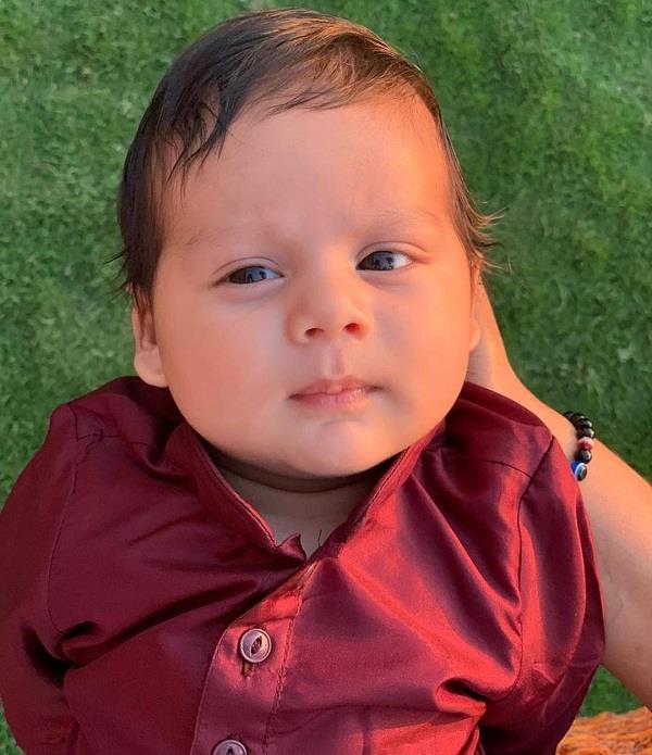 शाहिद की पत्नी मीरा ने शेयर की बेटे जैन की पहली तस्वीर
