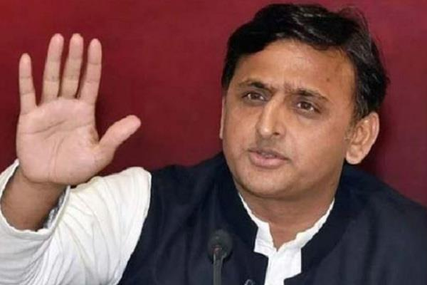 akhilesh attacks yogi sarkar