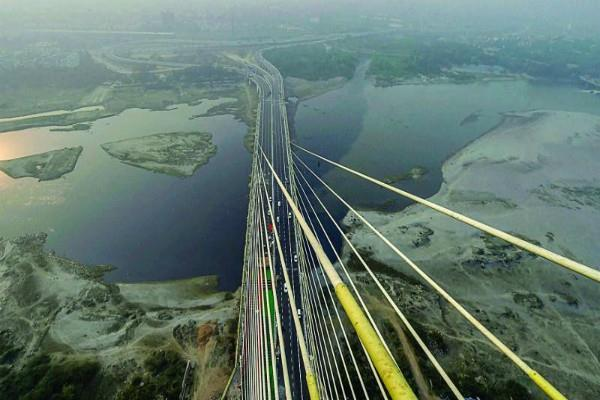 kejriwal inaugurates signature bridge