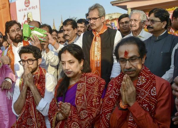 uddhav thackeray darshan to ram lalla