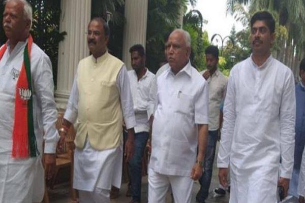 कर्नाटक उपचुनाव के लिए मतदान शुरू, दांव पर है 3 पूर्व CM के बेटों की प्रतिष्ठा