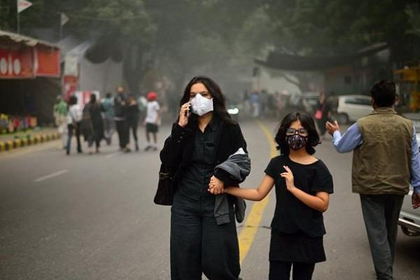delhi pollution dr harshavardhana mask