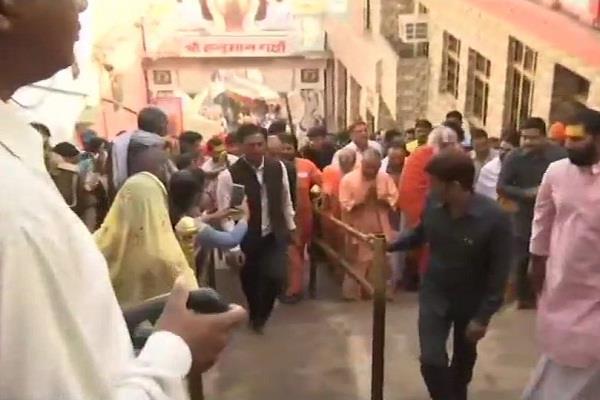 yogi congratulates diwali