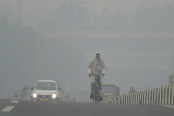 delhi in the grip of dangerous pollution