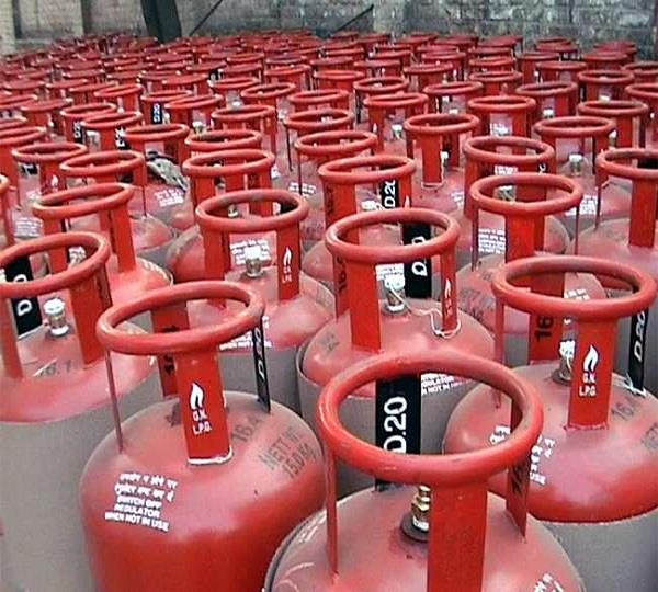 no change in policy of domestic lpg cylinders direct bank account government